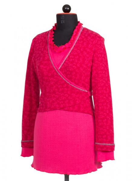 rosa Wickeltop kombiniert mit pinkem Rock