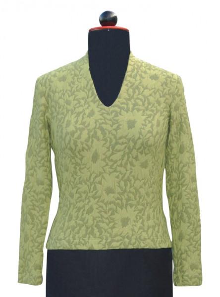 Frontansicht grün-gemustertes langärmeliges Shirt an Schneiderbüste
