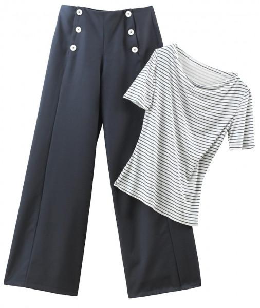 blaue Hose mit weitem Bein, vorderer Verschluß mit 6 weißen Knöpfen, in Kombination mit blau-weiß geringeltem Shirt