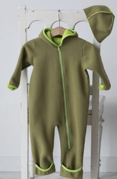 Strampler fürs Baby aus grünem Fleece